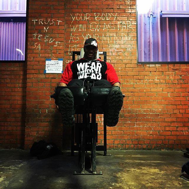http://www.pumpingiron.hu/ruhazat_1/gorilla_wear_ruhazat_208