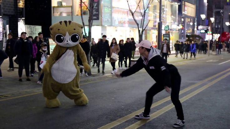 JHKTV] sin chon street dance  cat cat (화들짝 놀란  걸그룹 ) hip hap