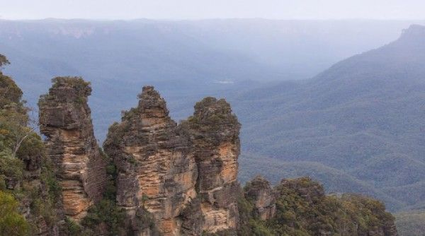 Les Montagnes Bleues dAustralie en time lapse   Video here : http://alexblog.fr/montagnes-bleues-australie-time-lapse-44377/