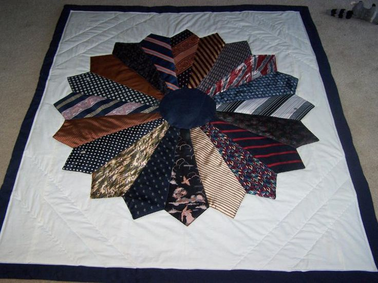 This quilt was made for a friend who had recently lost her father. She had his neckties, but didn't want to give them away or stash them in a closet, sweet.: Mens Tie Quilt, Memory Quilts, Quilting Project, Dresden Plate, Neckties, Craft Ideas, Tie Quilts