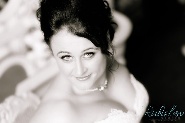 Marie looking stunning on her wedding day before getting married to Gareth at the fantastic Fasque Castle. #aberdeenwedding #aberdeenweddingphotographer #aberdeenweddingphotographers #aberdeenweddingphotography #scottishweddingphotographer #fasquecastle #fasquecastlewedding