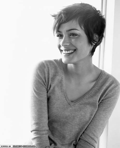 Cute short cut. Don't think I could ever do that short, but I like it.
