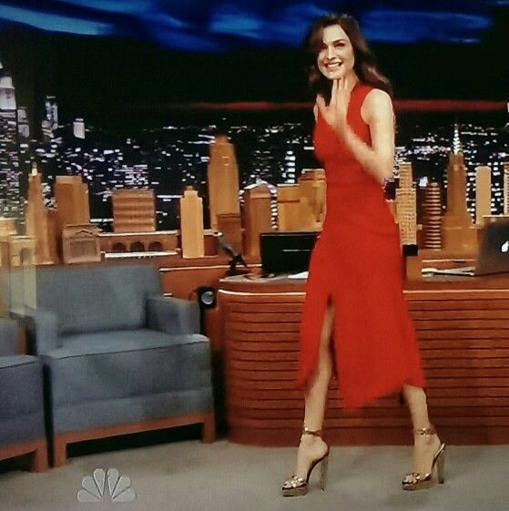 gorgeous rachel weiss in a high front slit red dress and sky high heels on the tonight show. Black Bedroom Furniture Sets. Home Design Ideas