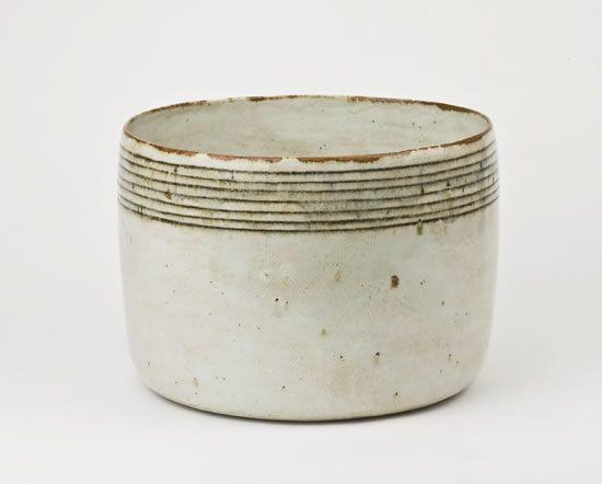 GERTRUD VASEGAARD Large white bowl with brown bands, 1976, 21 x 30 cm