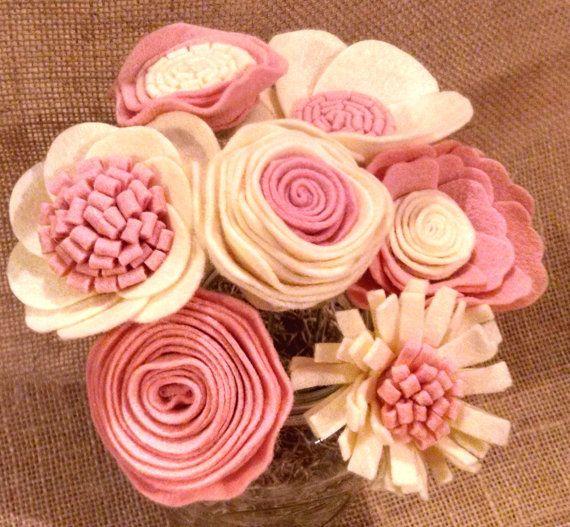 Розовый и слоновой кости цветочный букет, цветочный стебли, шерстяной войлок цветок, цветок договоренности, коттедж шикарный стол декор, свадьба декор, готов 2 корабля