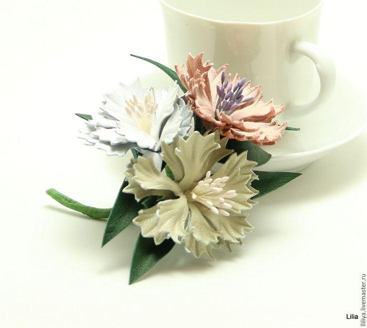 Купить Цветы из кожи. Брошь васильки. - комбинированный, васильки из кожи, цветы из кожи, украшения из кожи