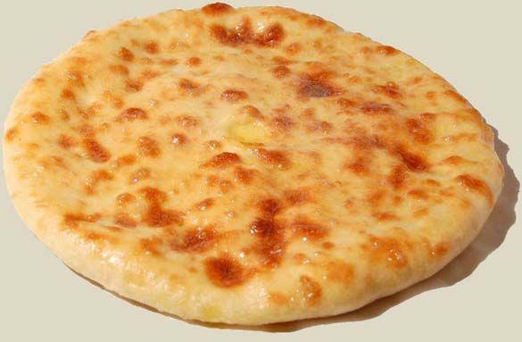 <em>Популярные осетинские пироги выпекают с разными начинками. Картофджын считается одним из самых вкусных он готовится с картофелем и сыром. Без  таких пирогов не обходится ни одно застолье их выносят в самом начале  трапезы, чаще всего каждый гость именно с них начинает обед.</em>