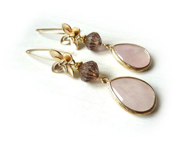 Lange oorbellen - Collectie Elegance: goudkleurige oorbel (S-668b) - Een uniek product van DomesDesign op DaWanda