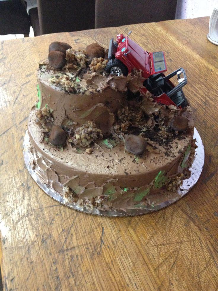 Four wheeling mud jeep cake