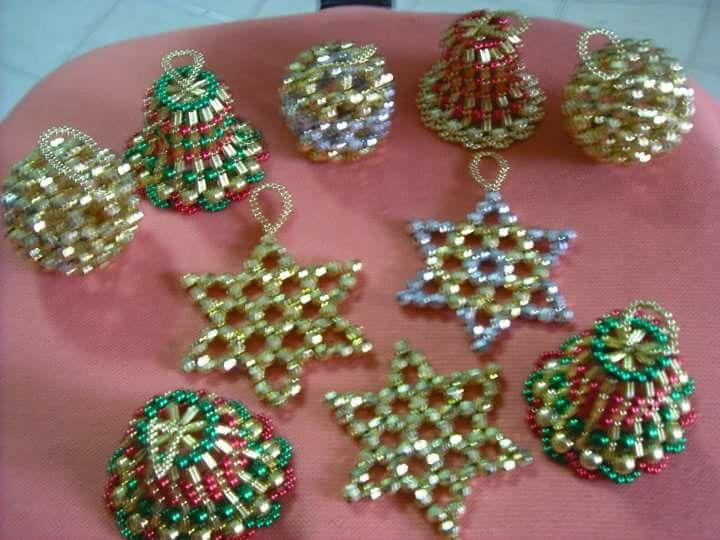 Campanas estrellas y bolas en perlas