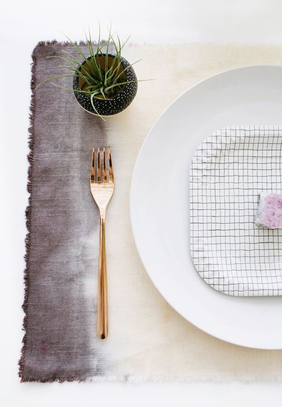 MAKE IT / 50 ombré grey placemat and succulent. Beautiful earthy home table kitchen dining decor:
