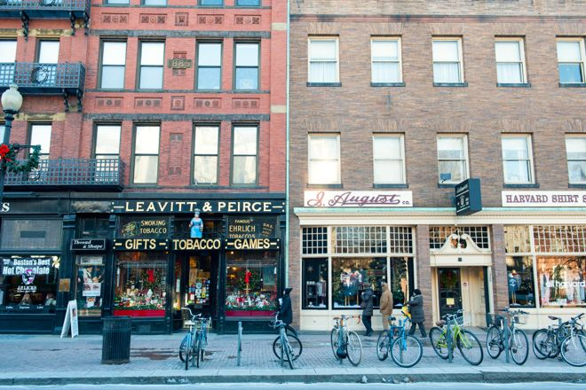 Real high street shops, not just shopping centres. That's why we heart Boston. Find out all about it and why it's a great family holiday destination at http://www.suitcasesandstrollers.com/interviews/view/usa-family-holidays-boston-insider?l=all #GoogleUs #suitcasesandstrollers #travel #travelwithkids #familytravel #familyholidays #familyvacations #traveltips #Boston
