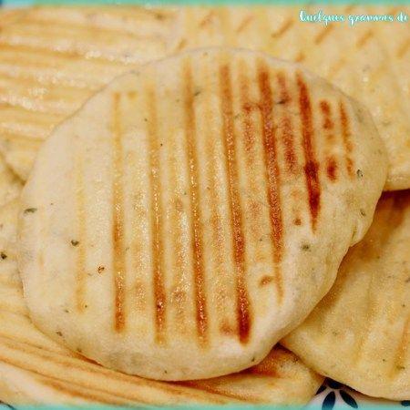 Recette de flatbread au basilic façon Jamie Oliver. A l'appareil à paninis.