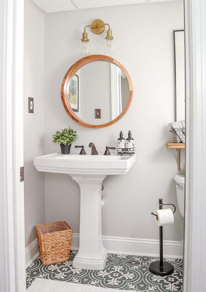 Black And White Tile Bathroom Decorating Ideas 22