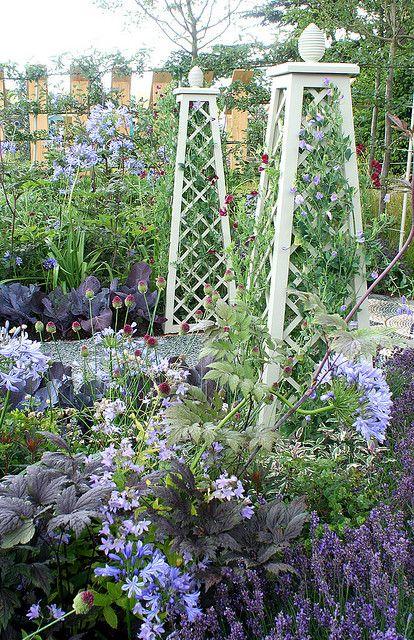 1000 images about garden obelisks on pinterest. Black Bedroom Furniture Sets. Home Design Ideas
