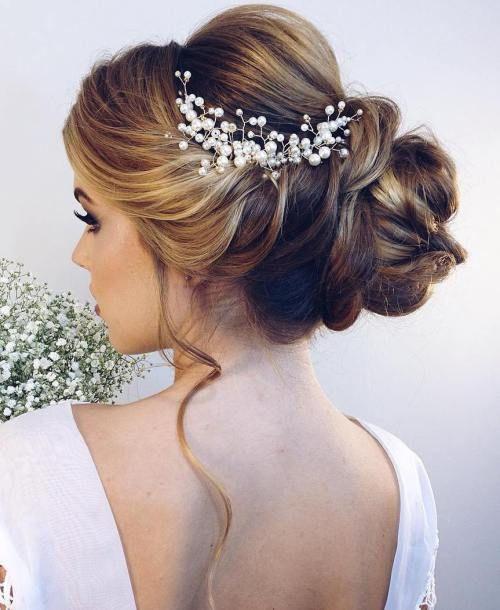 Brautfrisuren halblang hochgesteckt