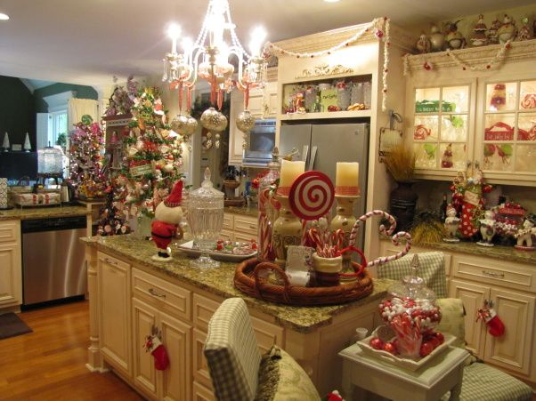 Best Kitchen Christmas Decorating Ideas Images On Pinterest - Christmas kitchen decor ideas