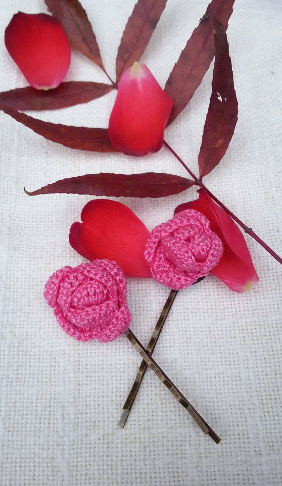 Crochet hair pins crochet rose bobby pins pink hair by Rocreanique on Etsy