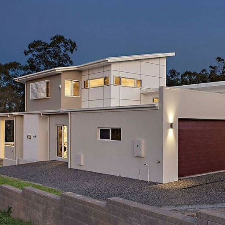 We love this sharp standout look created by Scyon Matrix on this Brisbane project by @hezzelichomes  #australianarchitecture #architecture #exterior #exteriordesign #scyonwalls