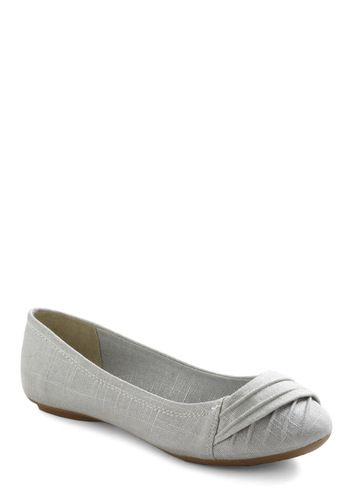 Sad re-swap. Modcloth Yoga Flats size 9. I just can't get ballet flats to work on my feet.