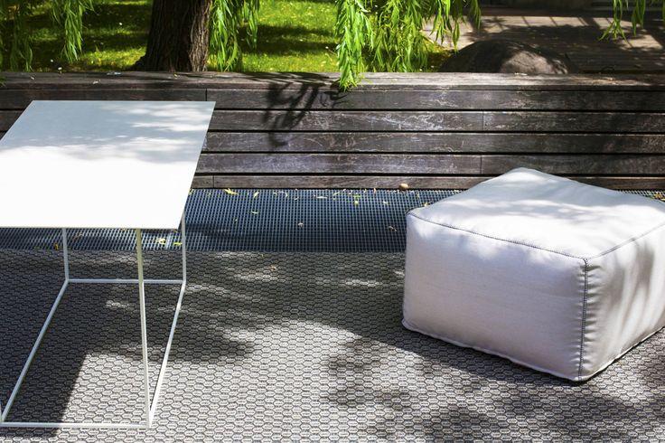 Levante - Outdoor handmade carpet in polypropylene