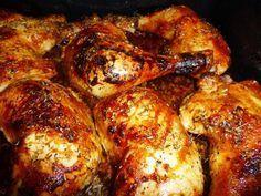 Recette de Cuisses de poulet au miel cuites au four . Il vous faut : cuisses de poulet, oignon, d'huile d'olive, de miel, Sel poivre