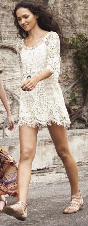 vestido corto en crochet para novias boho