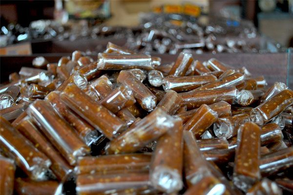 Jenang waluh makanan khas Kota Jember lengket dimulut dan kenyang diperut