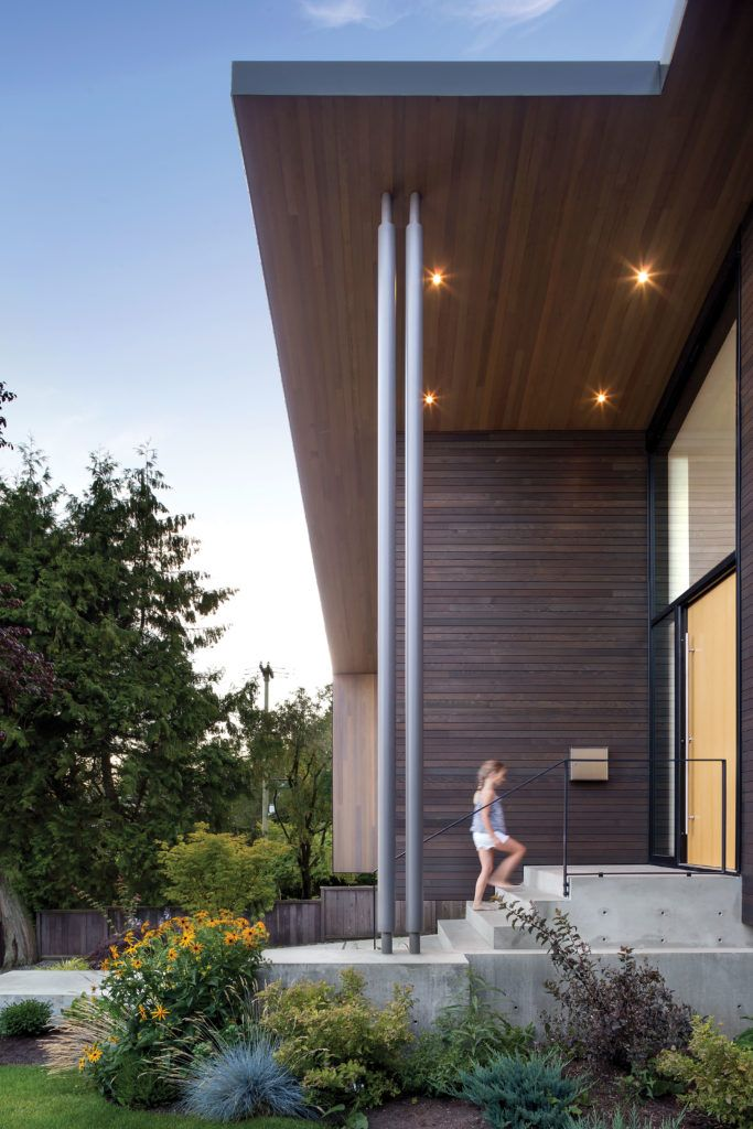 Photos A 1940s West Van Bungalow Gets A Bright Modern Remake Western Living Magazine Modern Exterior Exterior Siding Modern Outdoor Spaces