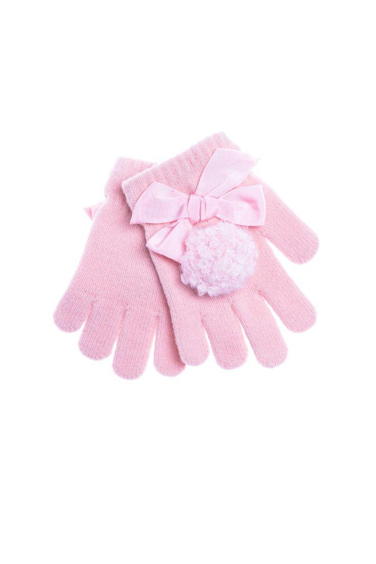 Grevi - перчатки с оригинальной аппликацией. Материал: Шерсть, ангора, полиакрил http://oneclub.ua/perchatki-16013.html#product_option76