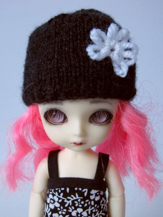 Knitted black hat for lati yellow pukifee monster high and similar size 5'-6' head dolls