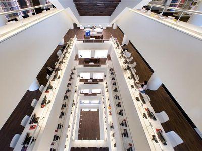 OBA Amsterdam, designed bij Jo Coenen & Co