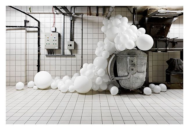 The balloons of Charles Pétillon