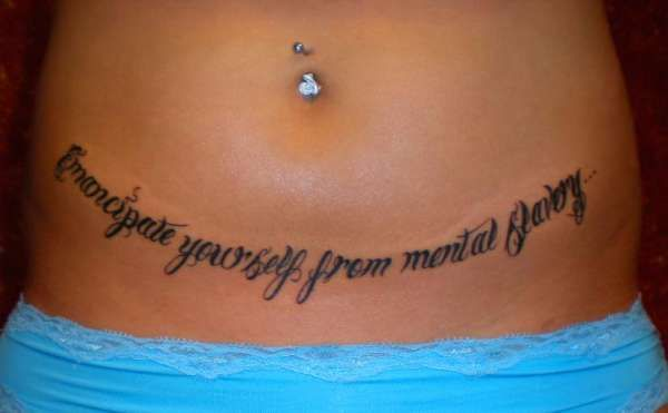 1000 id es sur le th me tummy tuck tattoo sur pinterest for Stretch mark tattoo camouflage