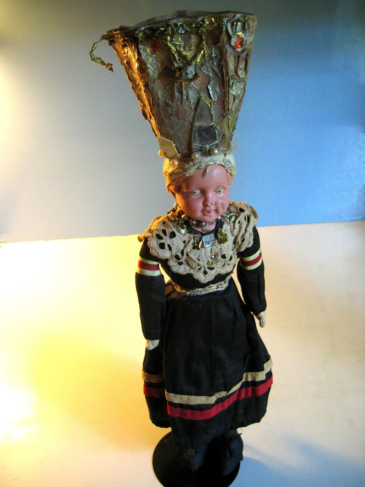 """Kruunumorsian"", a doll wearing an old traditional Finnish wedding costume."