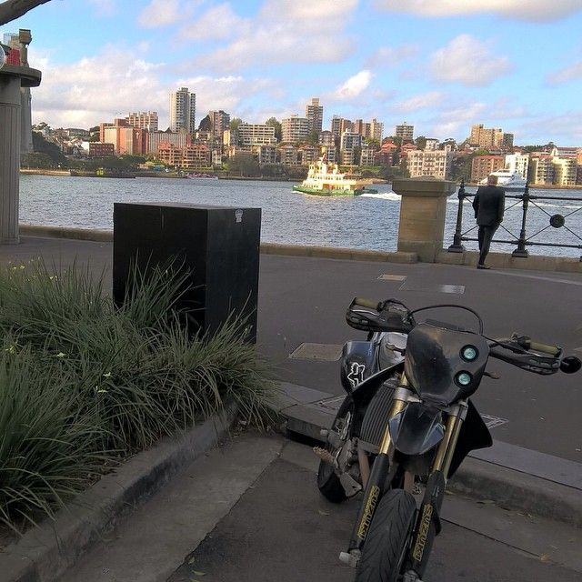 Delicieux #sydney #DRZ400SM #supermoto #SydneyHarbourBridge By Cecil_singh Http://ift.