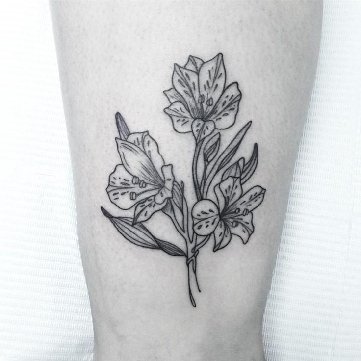 """458 Likes, 6 Comments - María León (@marialeontattoo) on Instagram: """"Astromelia para Gabi. Este tatuaje es parte de la campaña """"Flores para el sur"""", en la que la Gabi…"""""""