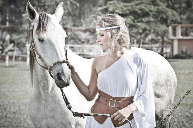 ♥ « Etre heureux à cheval, c'est être entre terre et ciel, à une hauteur qui n'existe pas. » ♥
