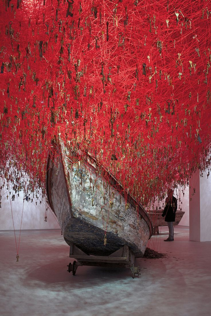 chiharu shiota venice art biennale 2015 the key in the hand
