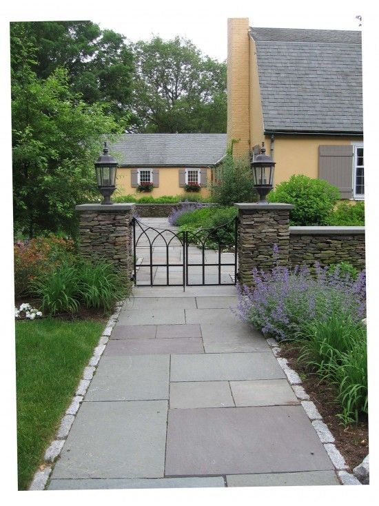 Shaped Driveway Landscaping : Landscape u shaped house with courtyard in front design