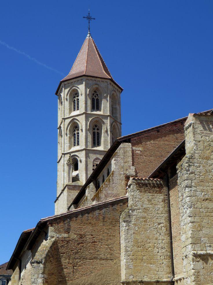 Clocher toulousain, église gothique (XIVe, XVIe) Notre Dame et St Jean-Baptiste, Fleurance, Armagnac, Gers, Occitanie, France.