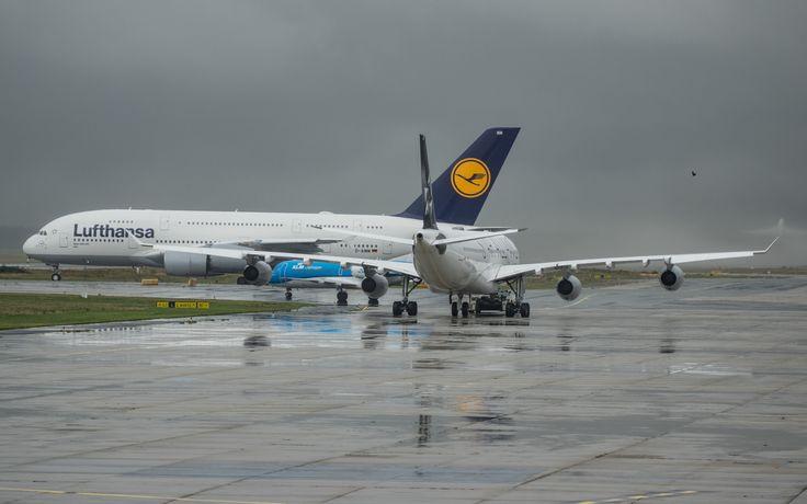 A380-841 Auf dem weg zur Halle by Oliver Tank Photography on 500px