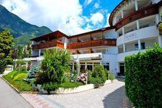 Urlaub in Dorf Tirol bei Meran Im Hotel Café Paradies - dem Urlaubsparadies auf der Sonnenseite von Dorf Tirol, auf www.travelina.ch