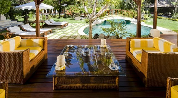 Villa Taman Sorga - Pool house sitting area with pool view