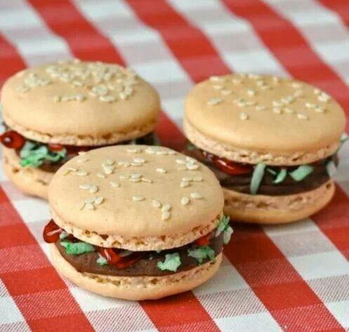 Macaroon burger