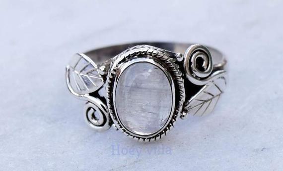 Moonstone Ring, Rainbow Stone Ring , 925 Sterling Silver ring, Girls Women Ring, Bohemian Ring, Gyps