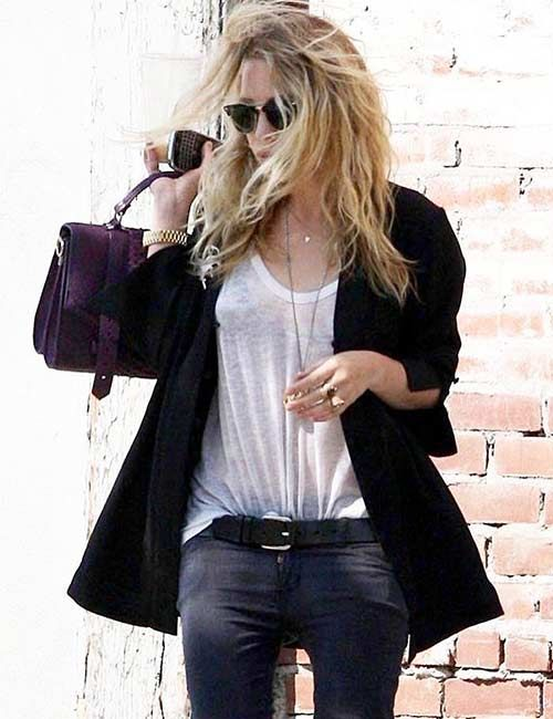 9565cd8ddd What To Wear With Black Jeans - 20 Styling And Outfit Ideas in 2019 ...
