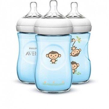 Kit de Mamadeiras Philips Avent com Bico de Fluxo Lento Anti-Cólica e sem BPA Macaquinhos BC994812 - 266 ml Azul  Proporcione a melhor qualidade na alimentação do seu bebê com este Kit de Mamadeiras Anti-cólica com Bicos sem BPA da Philips Avent azuis com macaquinhos.