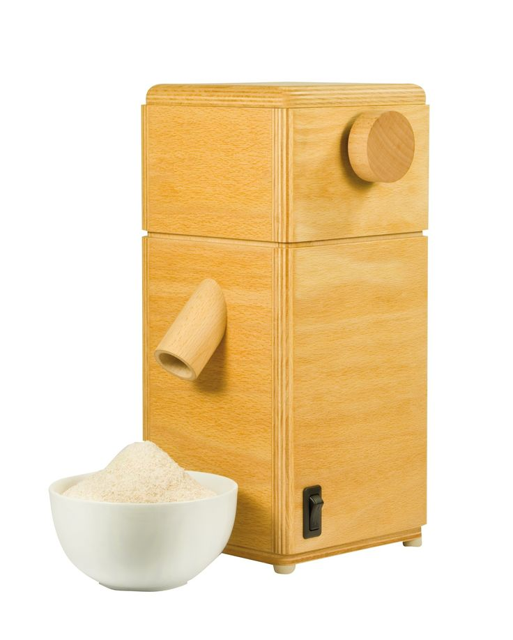 Molino con macine in pietra. Rivestimento in legno di faggio massiccio.Spezza tutti i tipi di cereali, anche quelli più duri.Capacità produttiva: 6 kg ora.