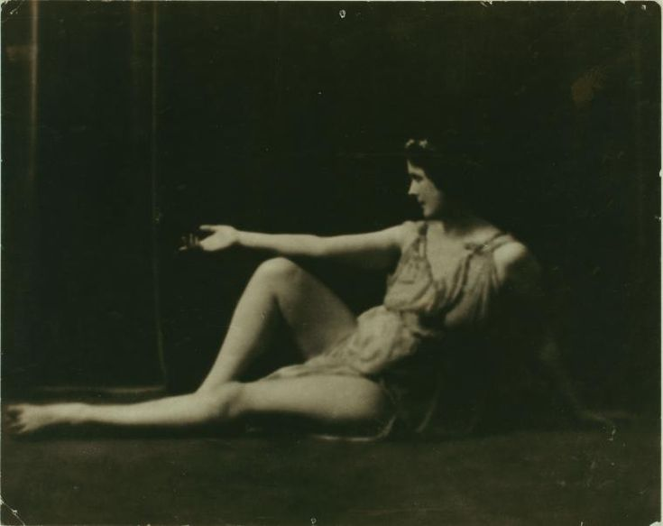 Isadora Duncan --  photo by Arnold Genthe, 1916